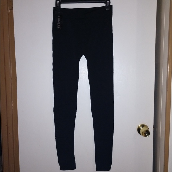 e38bd7194190e ⬇ $5 w/ Bundle of 2🖤 NWT Black Fleece Leggings 🖤. NWT. Yelete Leg Wear